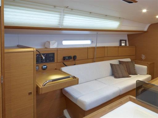 boat-379_interieur_20110706144721
