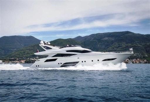 Dominator Yachts 780s