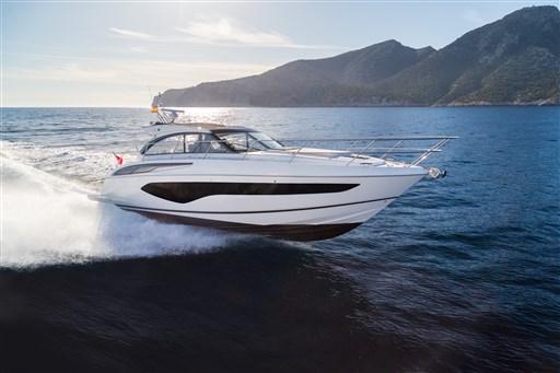 v50-open-exterior-white-hull-1a