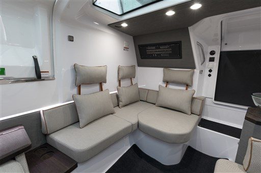 Axopar 37 layout w. comfort package & gullwing doors 1