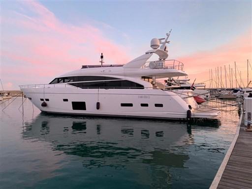 88 Motor Yacht
