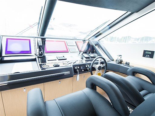 75 Yacht Presentation-7