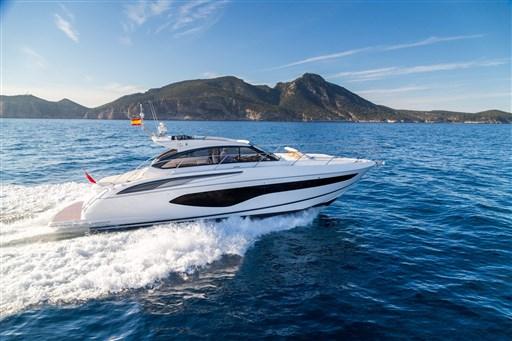 v50-open-exterior-white-hull-3