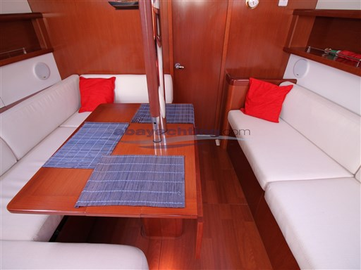 Abayachting Beneteau Oceanis 37 Limited 23