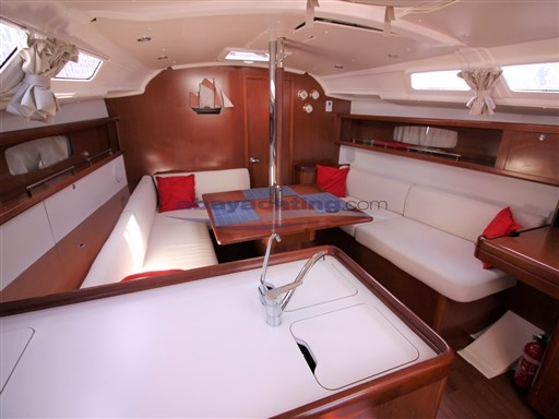 Abayachting Beneteau Oceanis 37 Limited 19