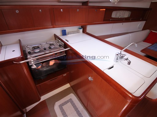Abayachting Beneteau Oceanis 37 Limited 20