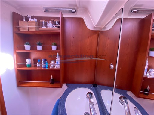 Abayachting Bavaria 42 Cruiser 29