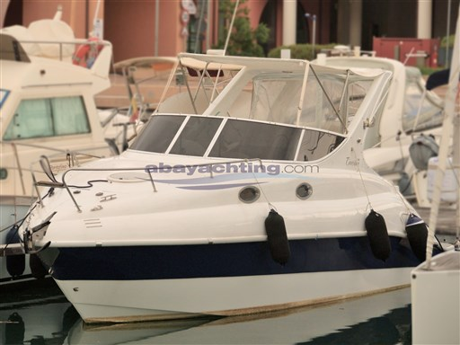 Abayachting Coverline 830 4