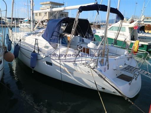 Abayachting Beneteau Oceanis 381 2