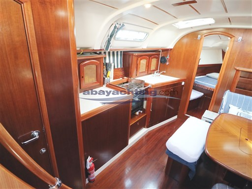 Abayachting Beneteau Oceanis 381 23