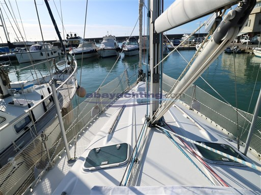 Abayachting Beneteau Oceanis 381 7