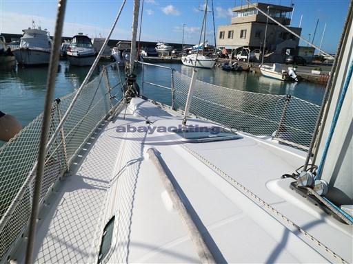Abayachting Beneteau Oceanis 381 9