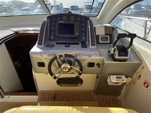 Abayachting Airon Marine 4300 T-Top 18