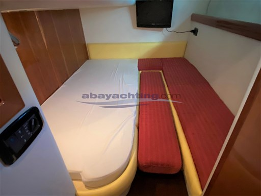 Abayachting Airon Marine 4300 T-Top 27