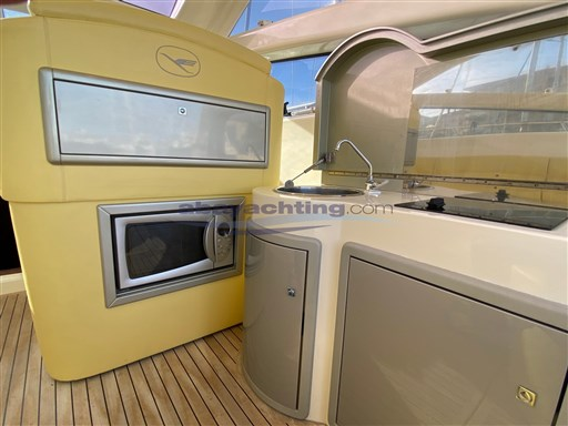 Abayachting Airon Marine 4300 T-Top 17