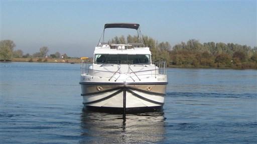 Nicol's Yacht Nicols Quattro Fly C