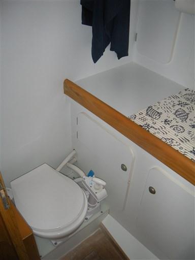 WC prua 1
