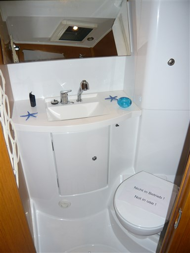 WC front