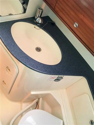 MELINA toilet2