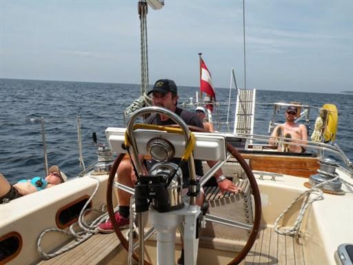 Cockpit mit Personen