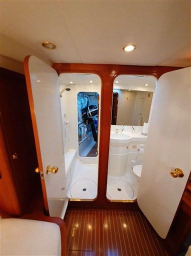Owners Cabin_ Ensuit Bath