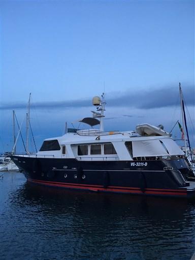 Custom Line Benetti 60 Sail Division