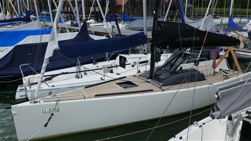 Dinamica Yachts S.r.l. Dinamica 970 Daysailor Hubkiel