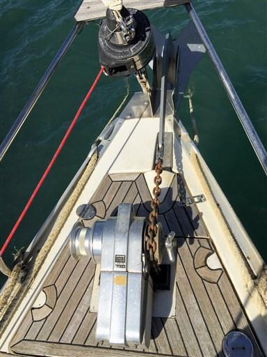 THETIS anchor + anchor winch