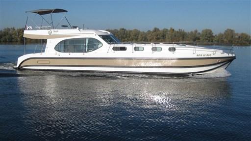 Nicol's Yacht Nicols Octo Fly