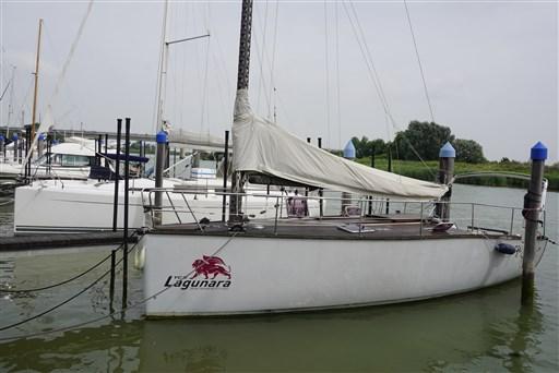 Yachtbau S.r.o. Lagunara 30 Cat Rig