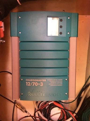 Dehler 41 Gebrauchtschiff - Mastervolt Ladegerät 70 Ampere
