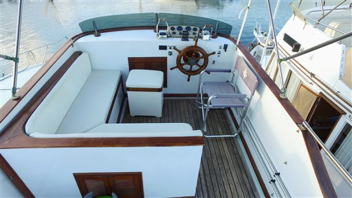Modern_Boat_trawler_36_12