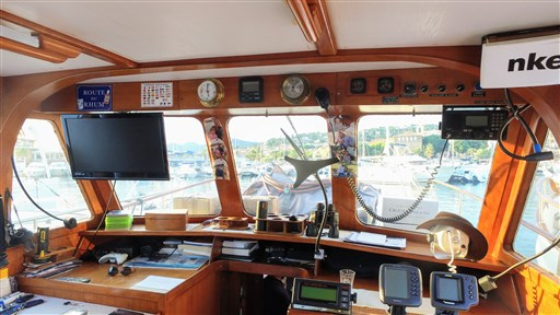 Modern_Boat_trawler_36_35