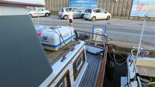 Modern_Boat_trawler_36_8