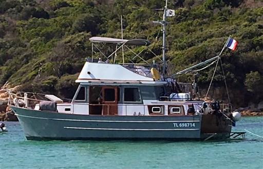 Modern Boat Trawler 363 (1)