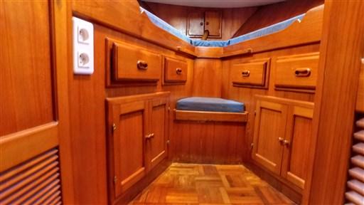 Modern_Boat_trawler_36_19