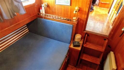 Modern_Boat_trawler_36_26