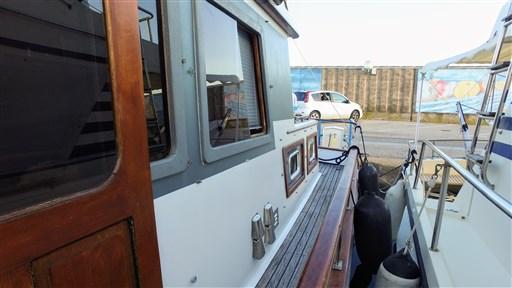 Modern_Boat_trawler_36_7