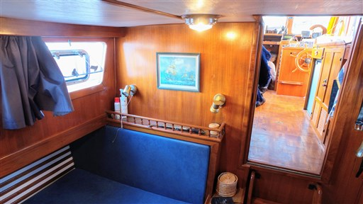 Modern_Boat_trawler_36_27