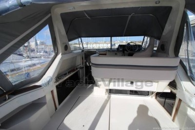 Cruisers Yachts Cruisers 3370 Esprit Preowned Motorboat For Sale In