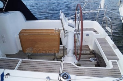 Jeanneau Sun Odyssey 33 I Lifting Keel Preowned Sailboat For Sale