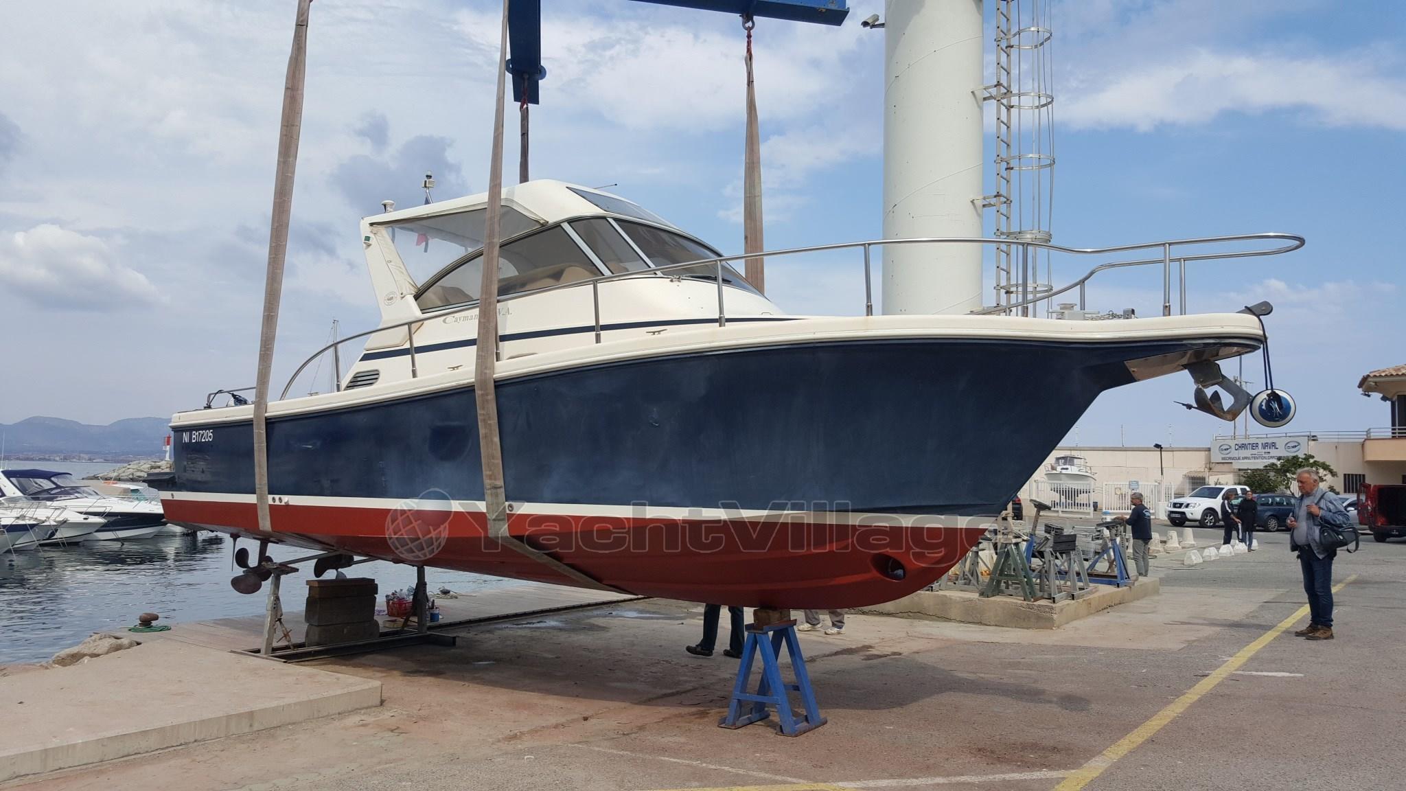 bateau_cayman-cayman-30-wa_4314851.jpg