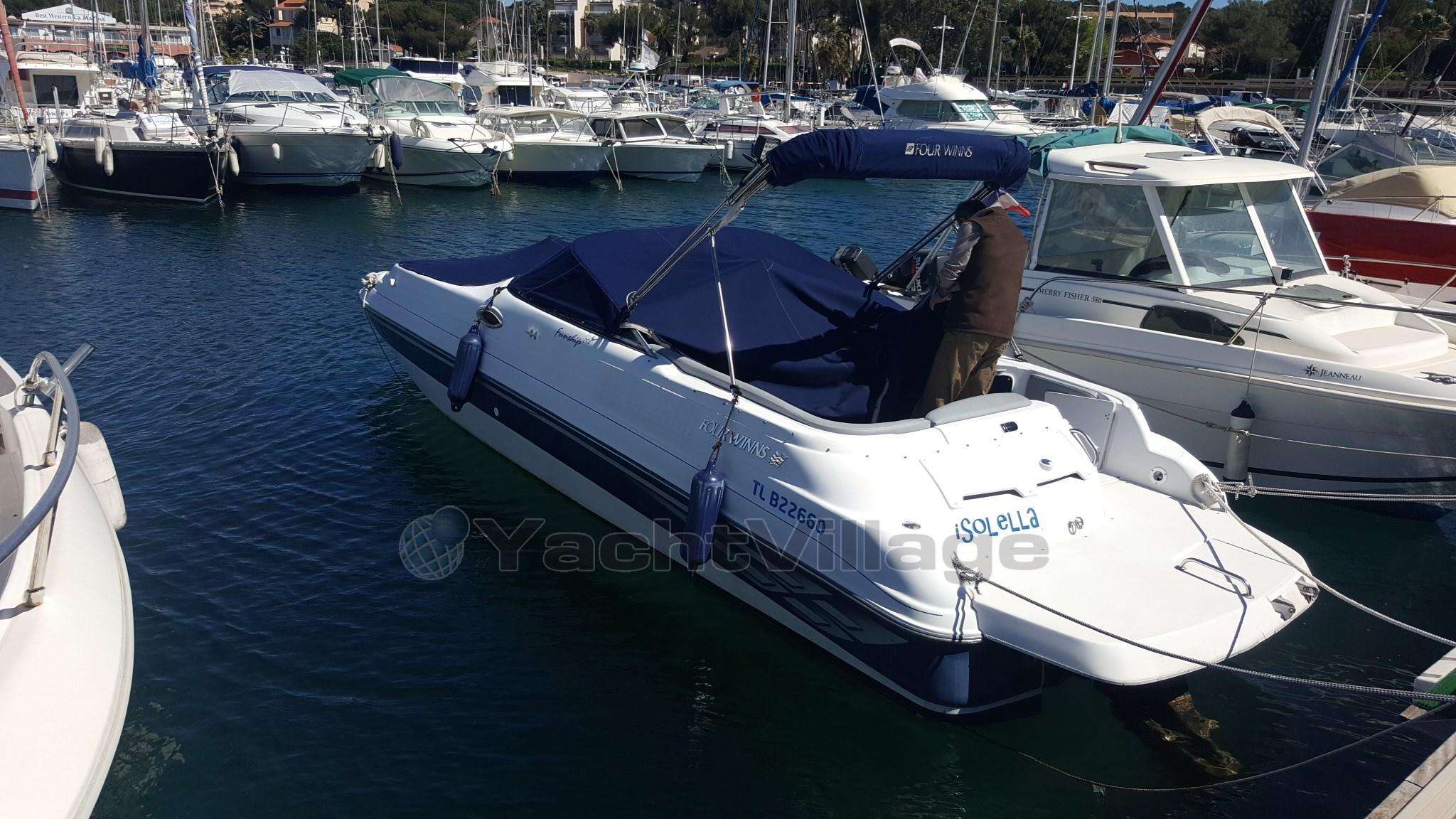 bateau_four-winns-funship-254_4051816.jpg