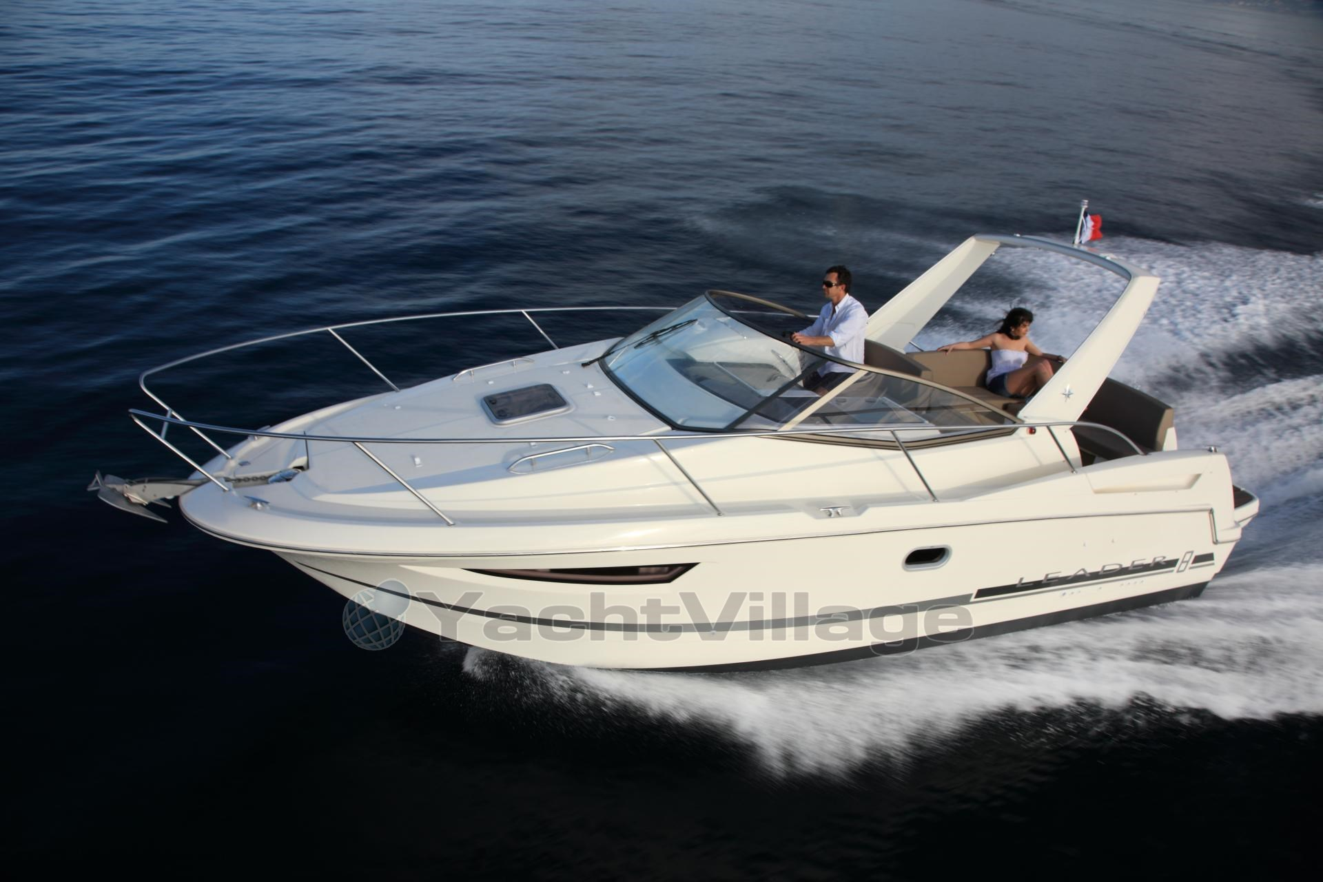 jeanneau leader 8 bateau moteur occasion en vente en. Black Bedroom Furniture Sets. Home Design Ideas
