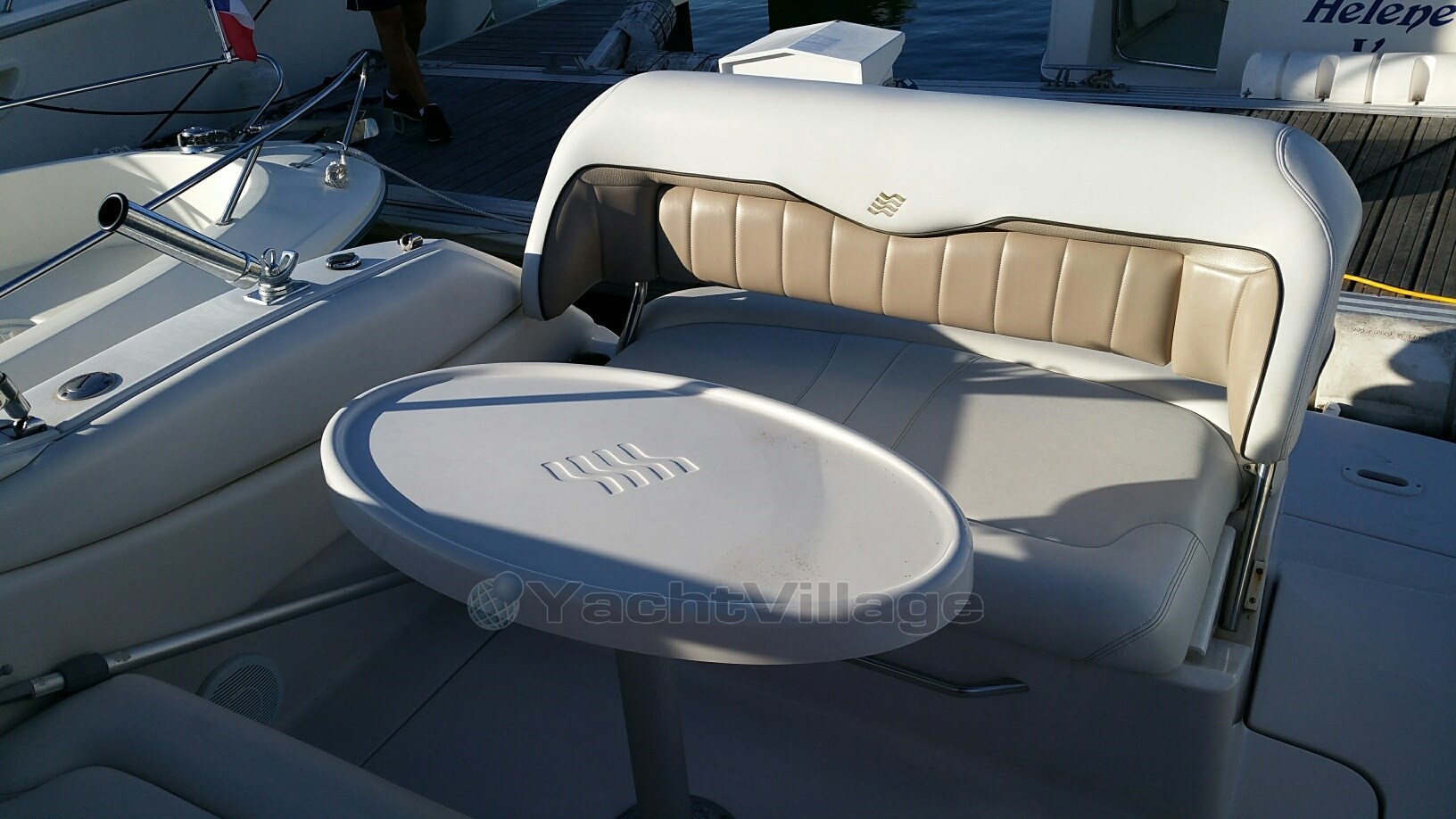 Four Winns Vista 258, preowned motorboat for sale in (France)