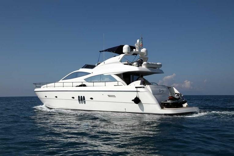 charter-Gaby-02.jpg