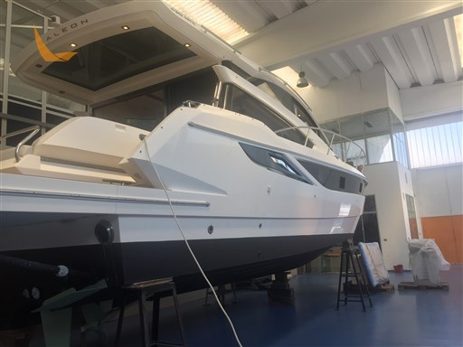 Galeon 430 HTC Carena