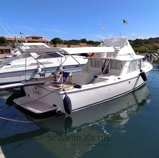 Bertram Yacht 31' Fbc