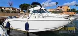 Boston Whaler Outrage 240 (2004)