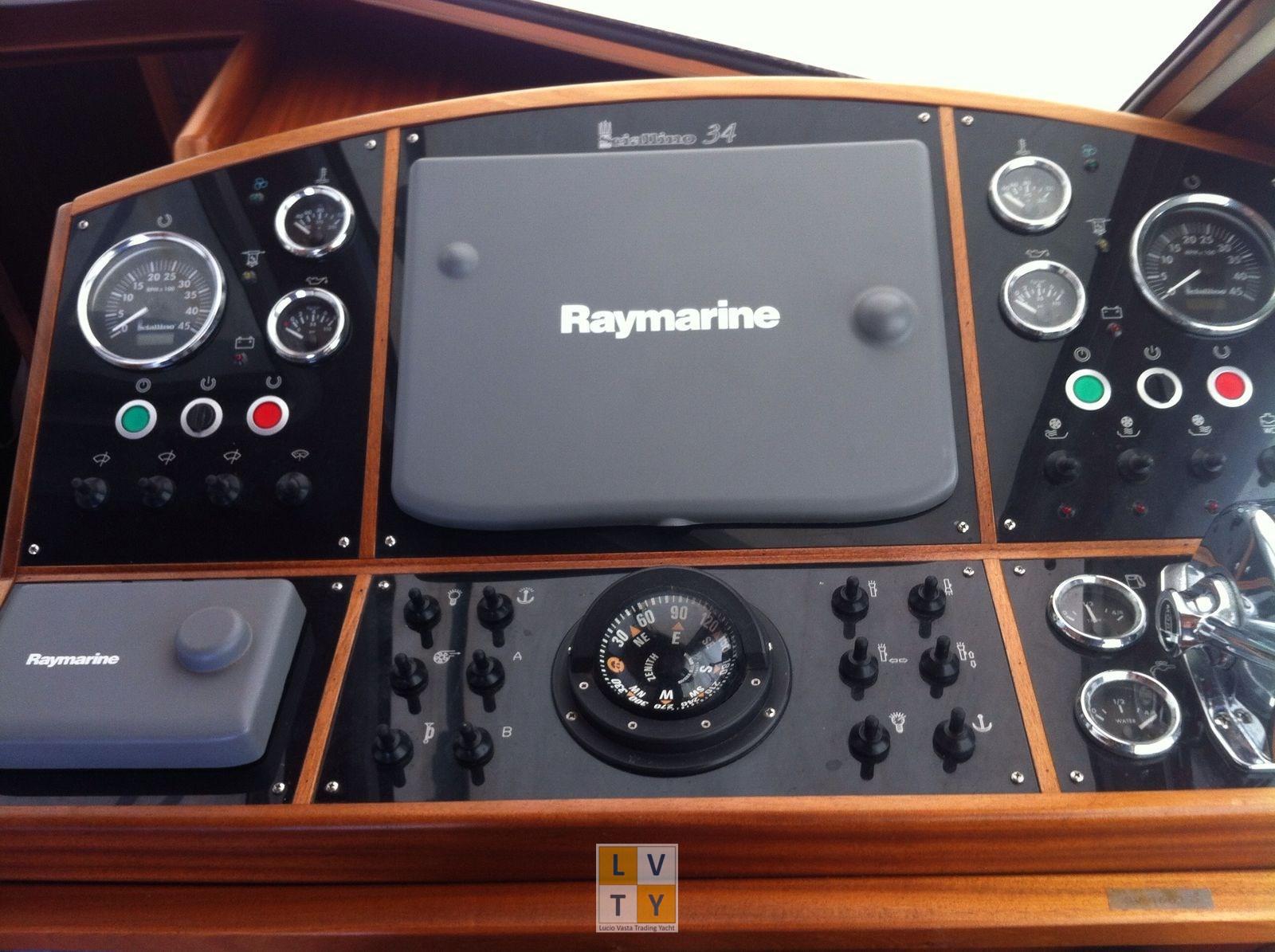 Cantieri Navali Sciallino Sciallino 34 Cabin, preowned motorboat for